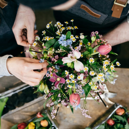 Blumendekoration Blumenstrauss Handarbeit