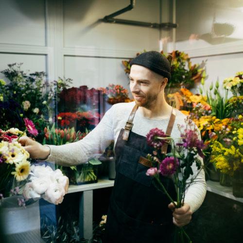 Blumenverkäufer Blumenauswahl Gerbera