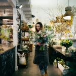 Blumenverkäuferin Blumenstrauss Geschenk