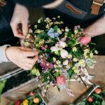 Blumenstrauss bunt Blumenstecken Gesteck