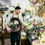 Blumenverkäufer Blumentrauss