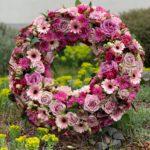 Blumenkranz Grabdekoration