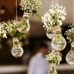 shutterstock_354527417_Blumendekoration hängende Blumen